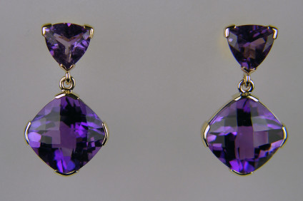Gaslight amethyst duo earrings in 18ct yellow gold - Stunning pair of amethyst earrings with a 10.99ct pair of cushion cut Zambian 'gaslight' amethysts and a 2.08ct trillion cut pair of amethysts in 18ct yellow gold