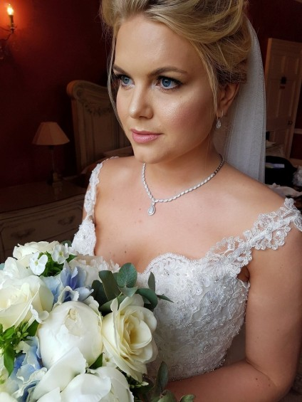 Rent your wedding jewellery from Just Gems -