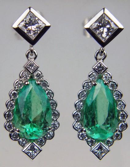 Emerald & diamond earrings -