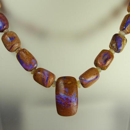 Opalised wood in sandstone necklace -
