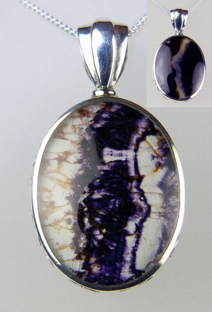 Blue John & agate reversible pendant in silver - Lovely reversible pendant set in silver with oval cabochons of agate and Blue John (Derbyshire fluorite)